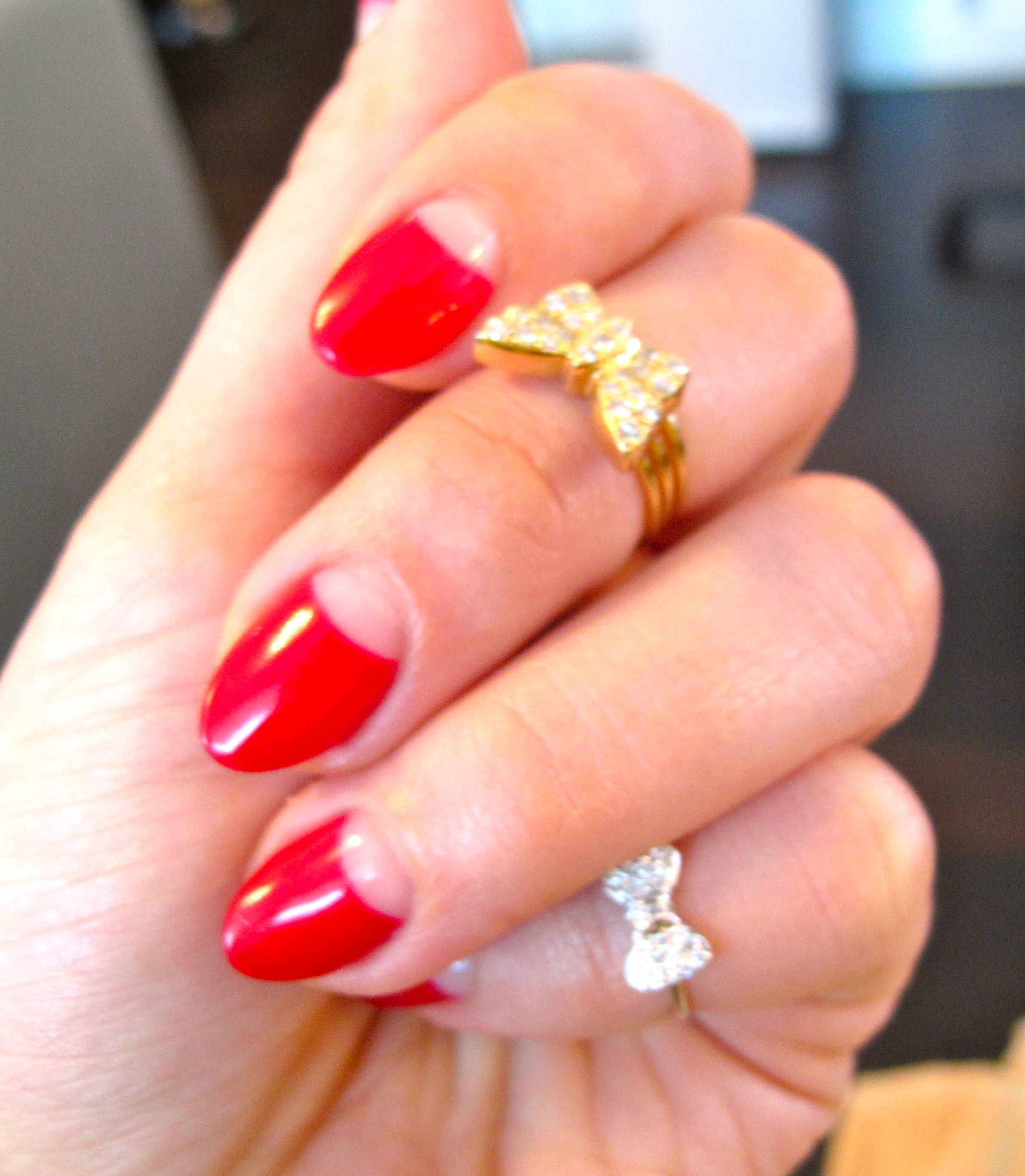 Vintage Nails: Through The Looking-glass